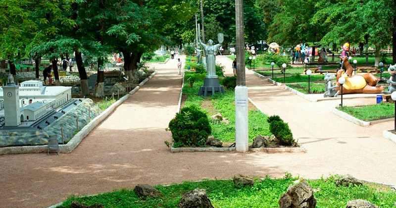 Bahcisarayskiy-park-miniatur-photo5