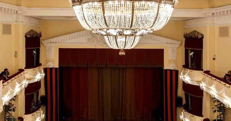 Sevastopolskij-teatr-imeni-lavreneva-photo1001