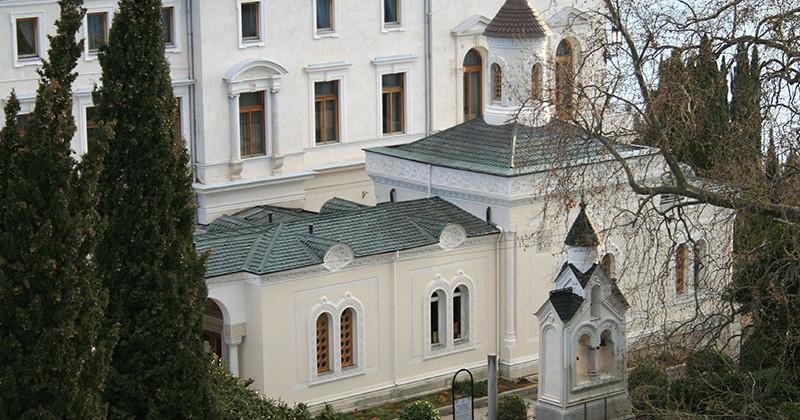 Krestovozdvizhenskaya-cerkov-v-livadii-photo1001