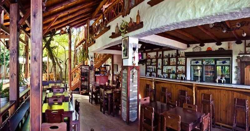 klub-restoran-santa-fe-v-koktebele