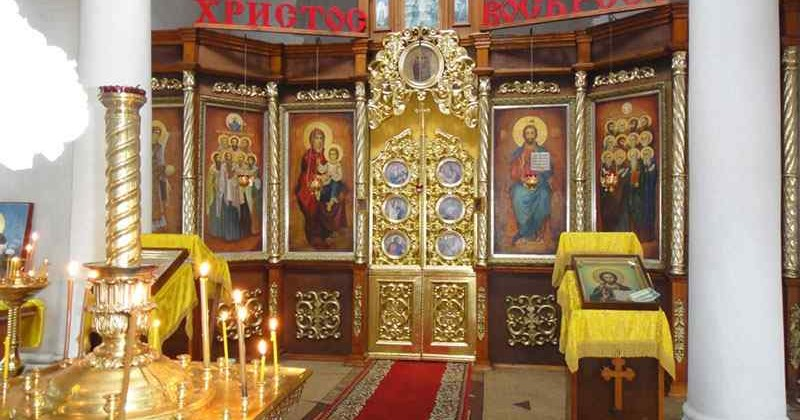 cerkov-dvenadcati-apostolov-photo1