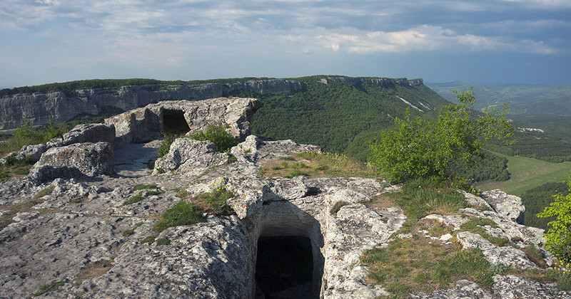 pesherniy-gorod-mangup-kale-photo1