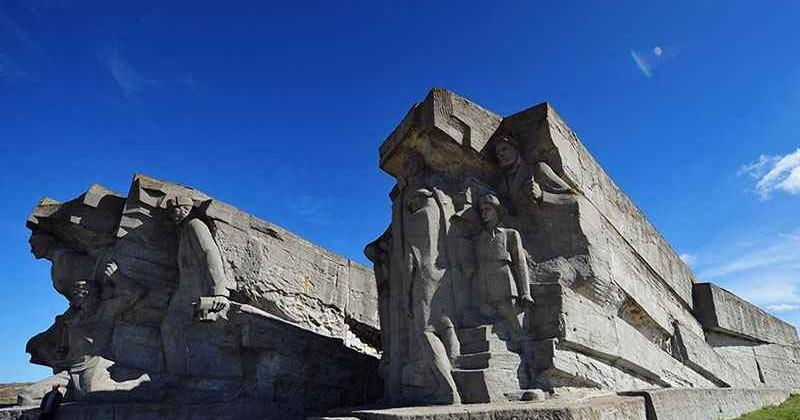 Adzhimushkajskie-kamenolomni-v-kerchi-photo1001