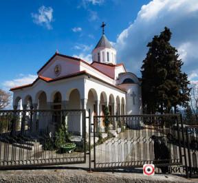 Hram-pokrova-presvyatoj-bogorodicy-v-oreande-photo1001