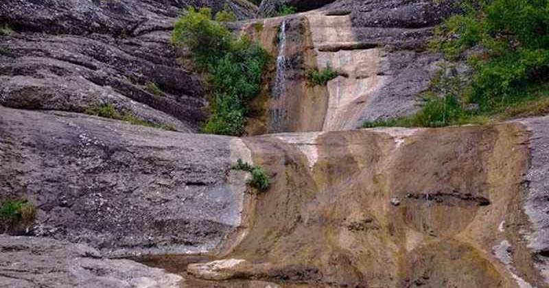 Vodopad-dzhurla-v-alushte-photo1004